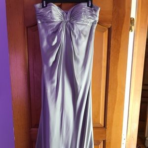 Laundry by Shelli Segal strapless gown